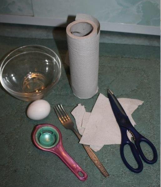 למדו איך להכין מסכת ביצים לעור הפנים