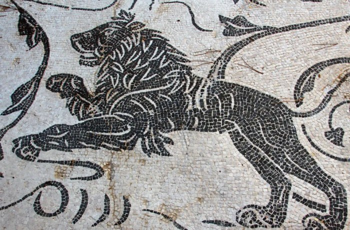 Gallery 095: Black and white animal mosaics from Ostia Antica