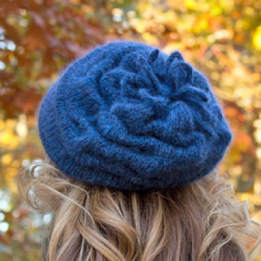 blue-slouchy-beret finished