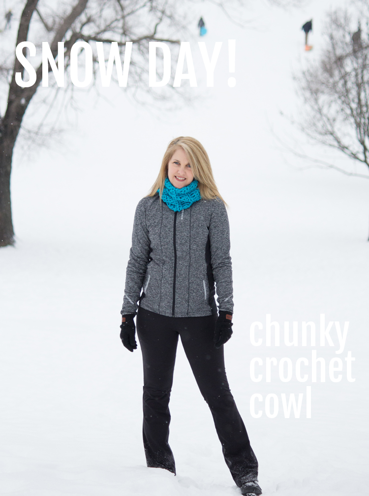 chunky-crochet-cowl-snow-day-on-the-hill