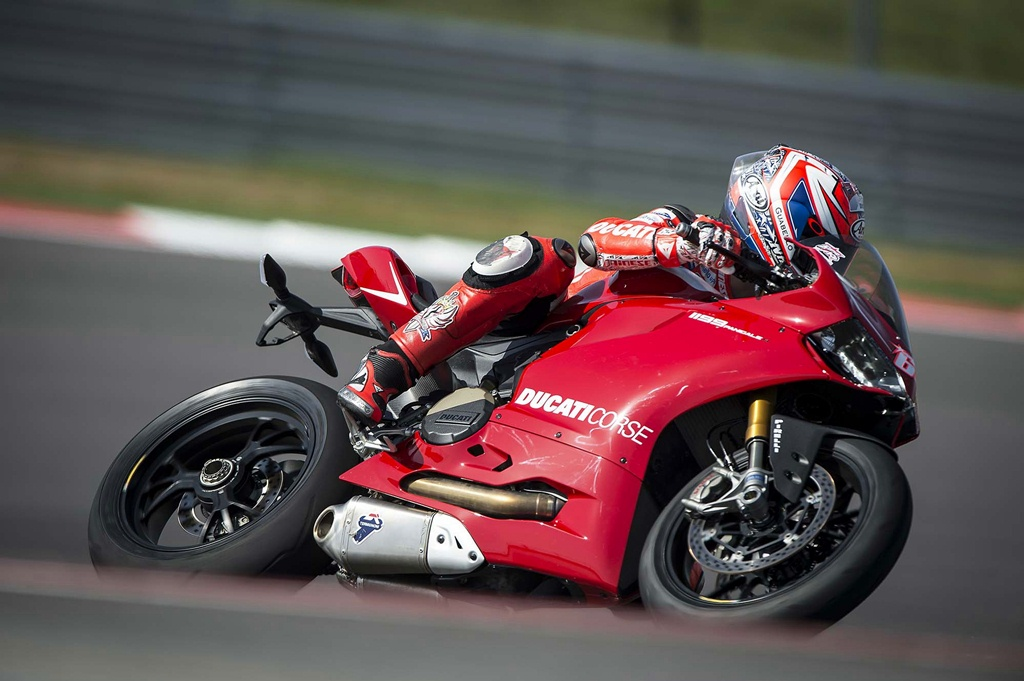 ducati 1199 panigale r photographs - 33