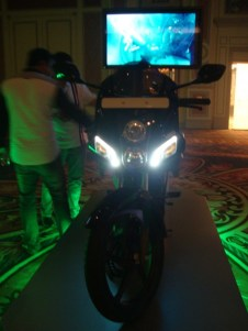 New Hero Karizma ZMR / Karizma R and CBZ Xtreme photographs