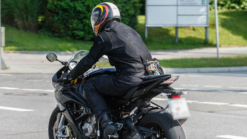 2015 BMW S1000RR spotted testing