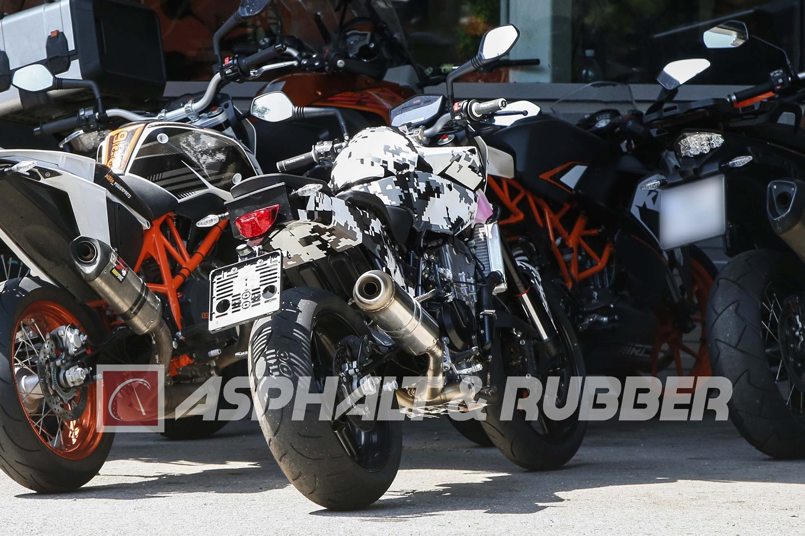 New KTM Duke 800 rear view