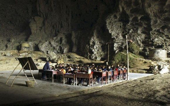 school-in-a-cave_2509437k