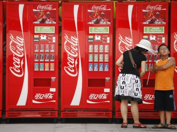 if-you-stacked-up-cokes-28-million-vending-machines-they-would-take-up-1502-million-cubic-feet-of-space-the-size-of-4-empire-state-buildings