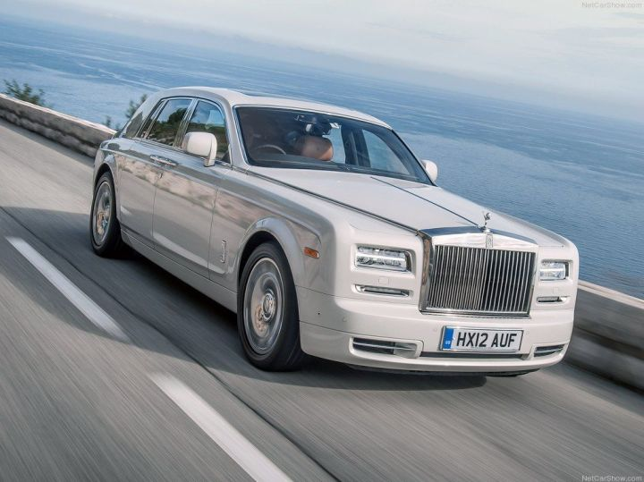 Rolls-Royce-Phantom_2013_1024x768_wallpaper_01