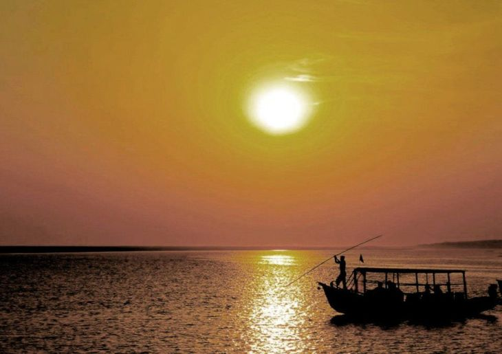 peoples-choice-an-ngo-has-provided-this-man-with-a-small-boat-which-he-uses-to-take-tourists-around-in-odisha-the-poorest-state-in-india