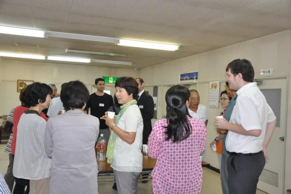 修了式の後、先輩指導者と日本語学習者が参加して交流会を行いました