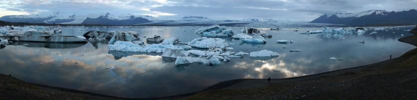 The Jökulsárlón glacier lagoon is 250m deep (SB)