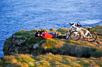 Bird watching in Latrabjarg at sunrise (SB)