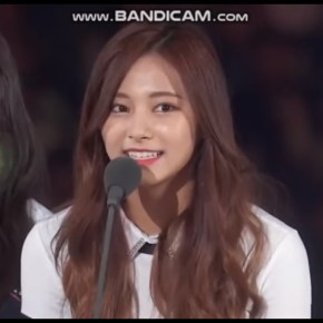 TWICE Wins Song of the Year at 2017 MAMA