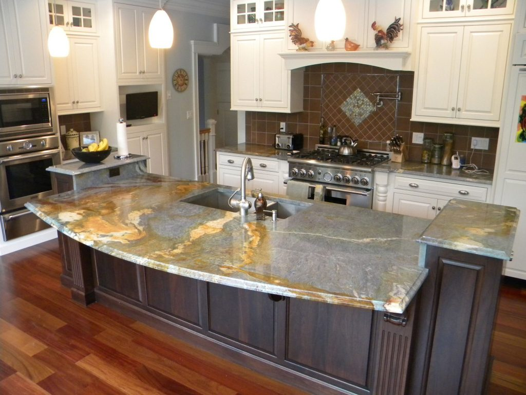 Cute Interior Descor of Lowes Kitchen Design Ideas with Cabinet and Bar Table 1024x768