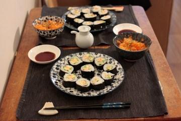 Maki sushi saumon avocat concombre