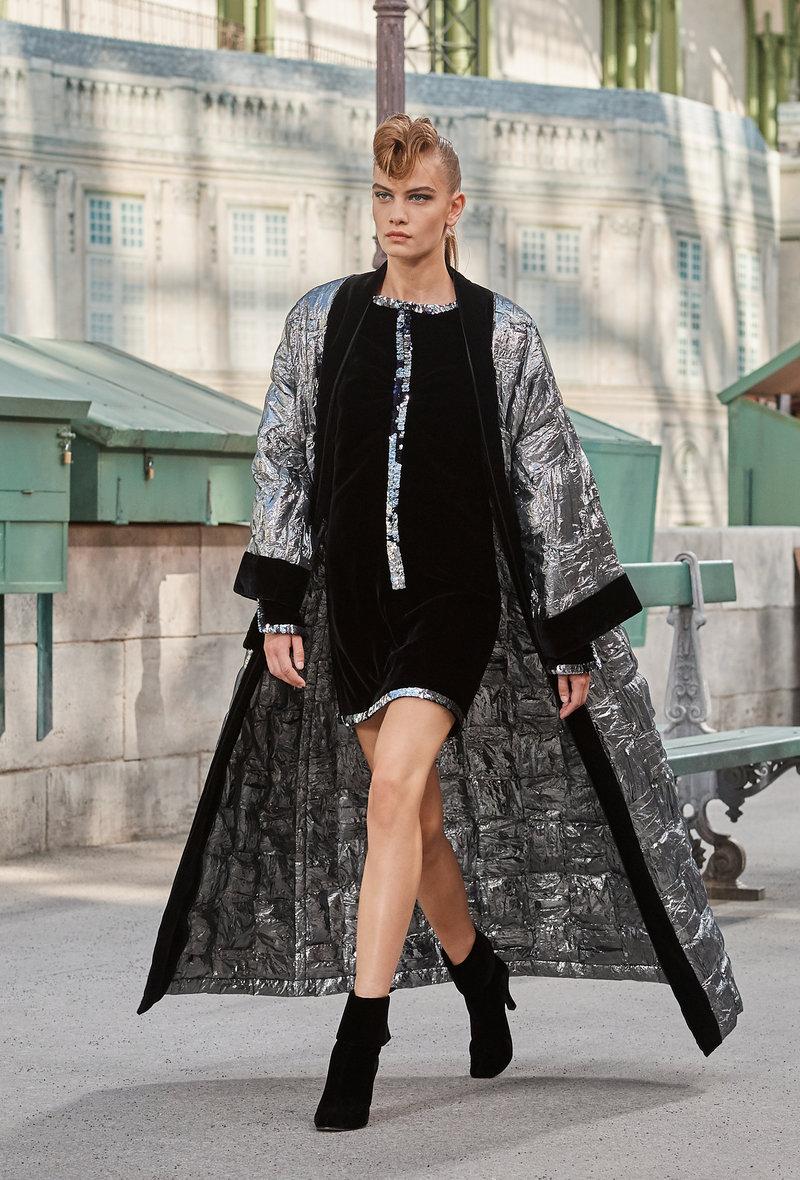 Παλτό σαν κιμονό από ιδιαίτερα υφάσματα.