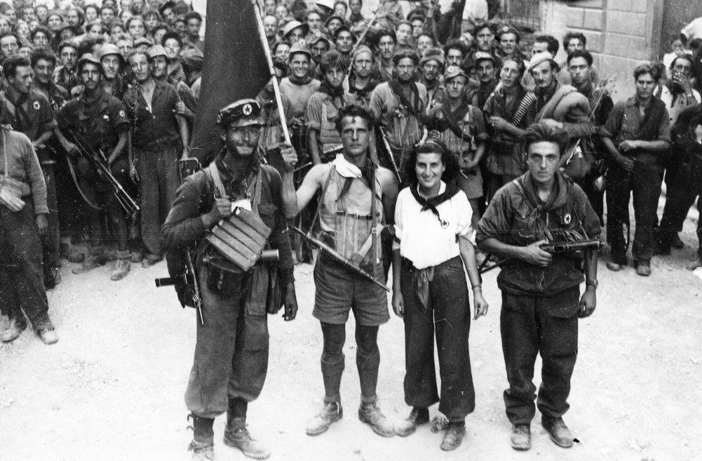 http://i2.wp.com/www.ilgiornale.it/sites/default/files/foto/2014/06/06/1402042493-partigiani-resistenza.jpg?resize=1001%2C657
