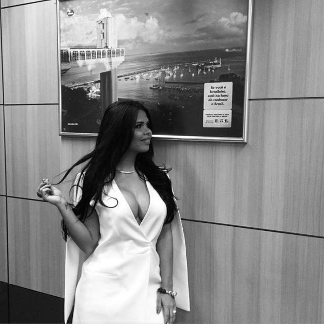 """Milena Santos faz seu álbum de fotos no ministério como """"primeira-dama do turismo do Brasil"""""""