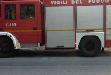 Auto in fiamme a Perano