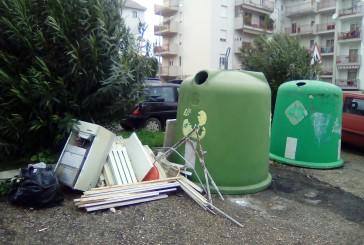 Abbandono dei rifiuti, ennesimo scempio a Vasto