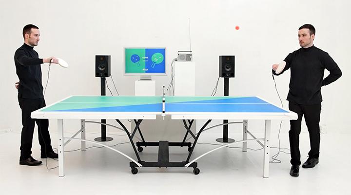 Il tavolo da ping pong che riproduce la musica al ritmo di gioco