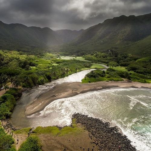 Celebrating Earth Day in Hawaii. It is a privilege to witness such beauty - beauty that asks nothing of itself. How can I not be motivated to act to preserve it for future generations? I'm excited to announce I'll be hosting this month's @Natgeofineart New Collection Preview in Maui, Hawaii at the National Geographic | Fine Art Galleries location in The Shops at Wailea on April 23rd from 6-9pm. If you are in the area, come by to check it out and say hi. For more info on the event, follow the link in my bio