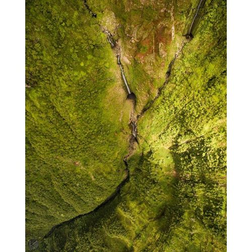 Plummeting over 3,500 feet from the lush rainforest to the Pacific ocean, the waterfalls on the north shore of the island of Molokai are a wonder to behold. @natgeocreative