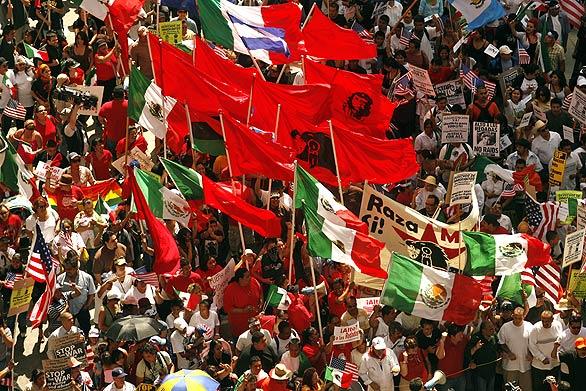http://i2.wp.com/www.immigrantsolidarity.org/MayDay2010/Images/38395671%5B1%5D.jpg?w=678