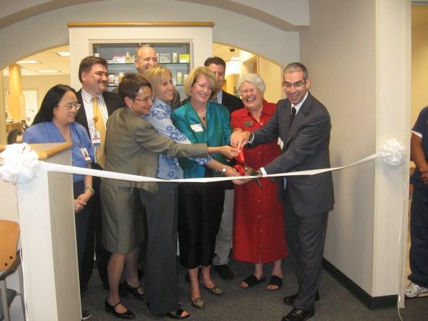 2007 Pecar Grand Opening Ribbon cutting color