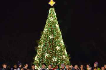 Childrens_choir_-_US_National_Christmas_Tree_2012