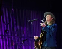 Lumineers_Radio1045_MPGreen-211.jpg?fit=1024%2C1024