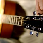 Free Guitar Lessons: How to tune your Guitar by Ears