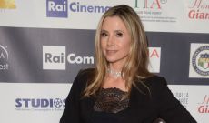 'Bad Santa' Director Terry Zwigoff Says the Weinsteins Also Blacklisted Mira Sorvino From the Christmas Comedy