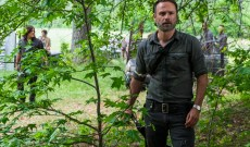 'The Walking Dead' Showrunner on Why Rick Couldn't Aim for Negan, and When Those Flash Forwards Will Be Explained