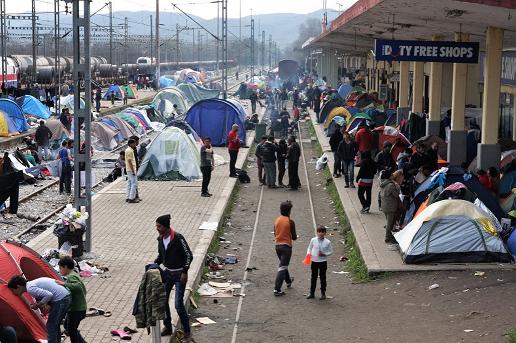 L'accampamento alla stazione di Idomeni © Emanuele Confortin
