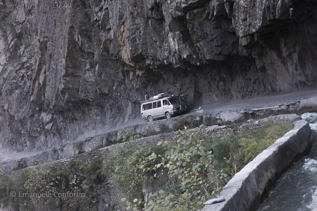 Sulle strade del Karakorum, al confine tra Pakistan e Afghanistan