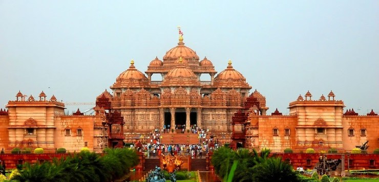 Akshardham : World's Largest Comprehensive Hindu Temple.