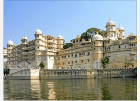 """Udaipur is a very popular tourist destination and is very well known for its history, culture, scenic locations and the royal architecture  with scenic, beautiful lakes and hence gets its name """"The City of Lakes"""""""