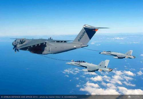 A400M-F-18-refueling