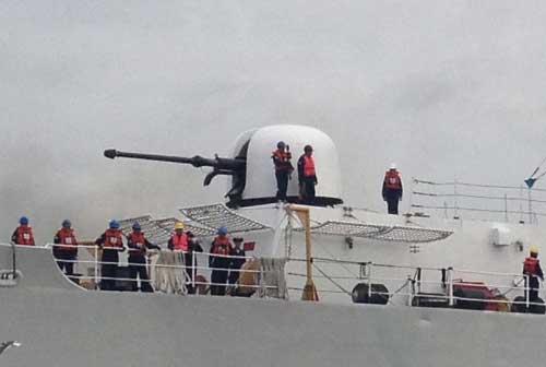 Kanon OTO Melara di salah satu kapal perang Filipina.