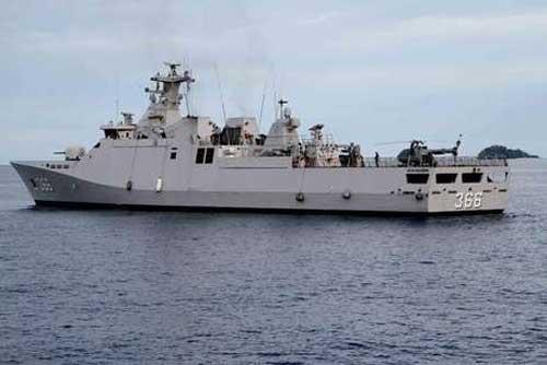 KRI Hassanudin 366, salah satu korvet SIGMA TNI AL yang dilengkapi GPS jammer.