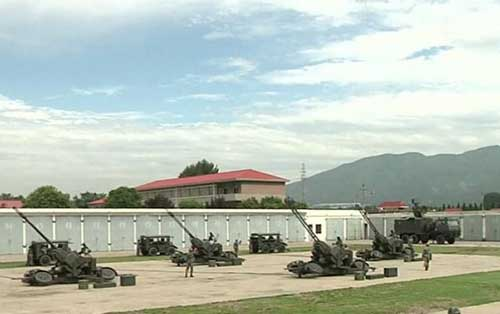 AF902_FCS-35mm_anti-aircraft_gun_air-defense_system_Norinco_China_Chinese_army_indsutry_military_technology_640_001