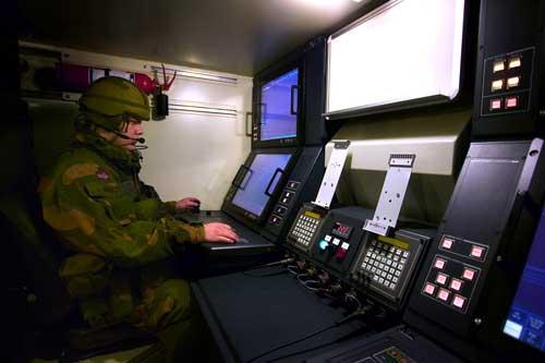 Suasana di dalam kabin Command Post.
