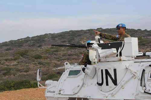 Posisi gunner Anoa 6x6 yang terbuka menjadi sasaran 'empuk; bagi sniper.