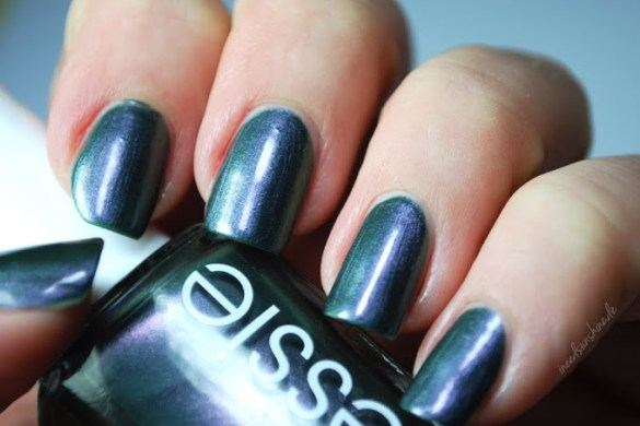 Essie-For-the-twill-of-it_2b