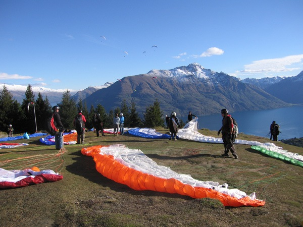 Learn to Paraglide in Queenstown with Infinity 7