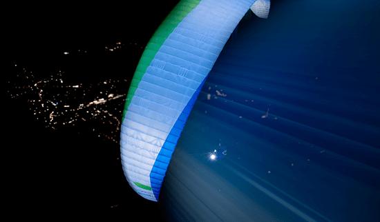 WEB_0005_Omega-8---Infinity-Paragliding-1