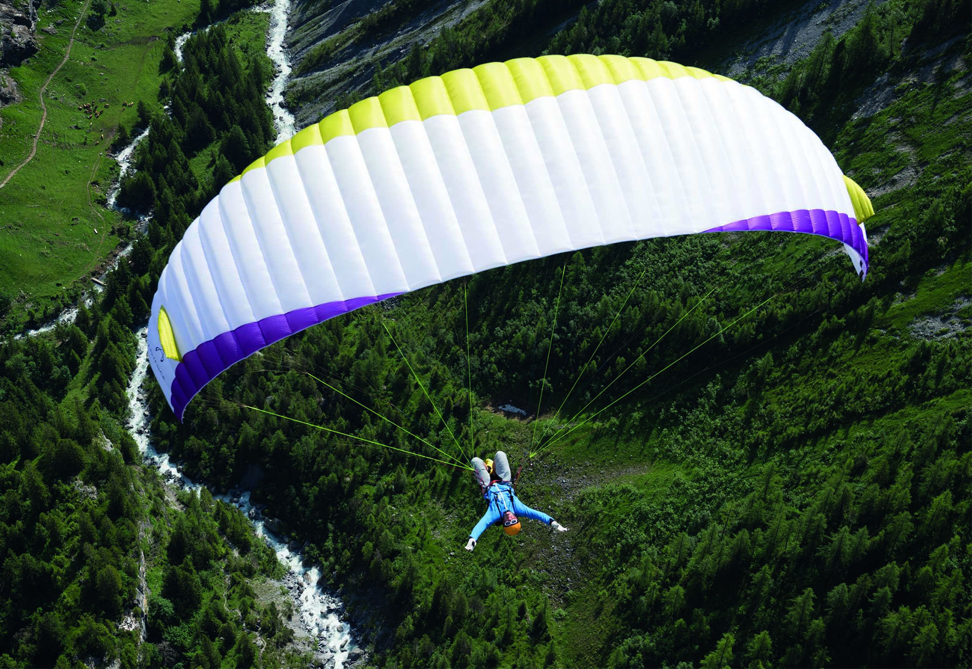 web_0005_infinity-paragliding-no-hands