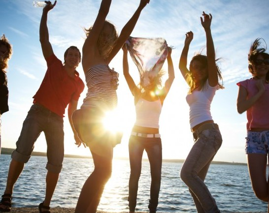 o-TEENS-DANCING-ON-BEACH-facebook