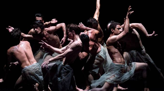 """""""Tripletta"""" coreografica con Aterballetto al Verdi di Pisa"""