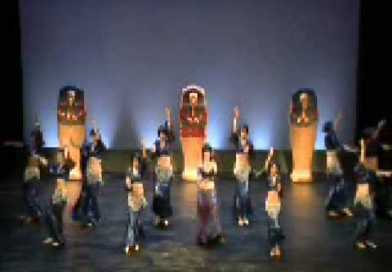 Un video al giorno – Danza della Luna – Walk Like an Egyptian / The Captivation